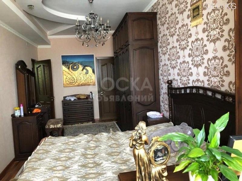Продаётся 3к.кв элитка, vip городок Ала-Арча-1, 3этаж, 120м2, евро+мебель, дом сдан 3л/з. Цена 95$ - 1